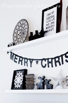 If I was of those cool Nordic bloggers that have a cool loft with white design all over, a minimalist culture and all that jazz, I would totally decorate my house like that for Christmas. I am not ...