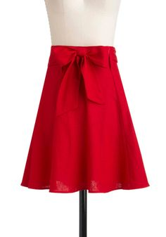 And last but not least from my @ModCloth loot, the Musée des Arts Décoratifs Skirt. Everything about this skirt is perfect, the bow, the fit, and the sort of linen-y material makes it unique and versatile.