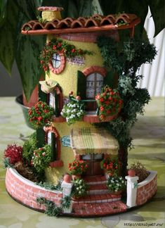 Silvia Solchaga's media content and analytics Clay Houses, Ceramic Houses, Miniature Houses, Miniature Rooms, Clay Fairy House, Fairy Garden Houses, Polymer Clay Crafts, Diy Clay, Clay Wall Art