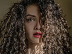 These People Revealed The Eerie Experiences That Still Haunt Them Curly Hair Tips, Long Curly Hair, Curly Girl, Curly Hair Styles, Natural Hair Styles, Frizzy Hair, Thin Hair, Straight Hair, Grow Hair