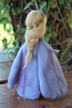 Wool Dolls, Felt Dolls, Felt Crafts, Fabric Crafts, Felt Angel, Felt Pictures, Needle Felting Tutorials, Fairy Clothes, Felt Fairy