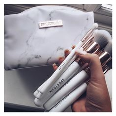 Loving my new makeup brushes from @spectrumcollections new Marbleous collection ?? the white and...