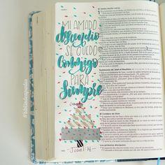 """""""Y aquel Verbo fue hecho carne, y habitó entre nosotros (y vimos su gloria, gloria como del unigénito del Padre), lleno de gracia y de verdad."""" S.Juan 1:14 #RVR1960 #bibliadeapuntes #biblejournalingenespañol #biblejournaling Bible Art, My Bible, Bible Verses, Christian Girls, God Loves You, Study Notes, Gods Love, Bullet Journal, Lettering"""