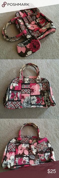 Vera Bradley Floral Zip Handbag No trades. Gently used zipper closure handbag. Vera Bradley floral with matching coin purse. On the inside there is 1 zipper pocket and 2 small compartments. The zipper coin purse has an I.D. holder as well. Please see my other listing for more photos. Vera Bradley Bags
