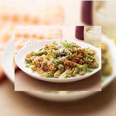 Pesto Sprial Vegeroni Pasta. 98% fat free veggies & dhurum wheat spiral pasta. 384 cal/serving Based on 2000 kcal diet.  #eatclean #getlean #cleanleanJKT #cleaneating #lifestyle #healthy #gluttenfree #fatloss #musclegain #FitnotSkinny #lowcarb #protein #superfood #katering #healthycatering #kateringdiet#kateringsehat#greens #instafit #organic #lowfat #dietbalance #fitness #gym #postWorkoutmeal #preworkoutmeal #foodphotography by cleanlean_catering