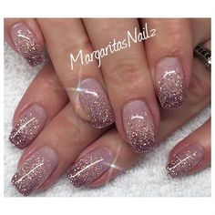Nail Art Ombre nails might be fantastic match to your clothes or accessories. The brief oval nails w Sns Nails, Stiletto Nails, Manicures, Oval Nails, Coffin Nails, Shellac, Gliter Nails, Gold Manicure, Nail Art Designs