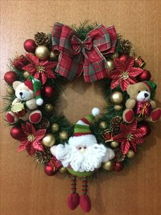 Corona de navidad Country Christmas Decorations, Christmas Door Wreaths, Homemade Christmas Decorations, Christmas Bells, Holiday Wreaths, Xmas Decorations, Christmas Themes, Christmas Diy, Christmas Ornaments