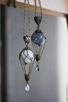 Lampwork necklace / Кулоны, подвески ручной работы. Заказать Миниатюрный воздушный шарик. Разные цвета.. Steamwatch. Ярмарка Мастеров. Лунный камень by DikWittington
