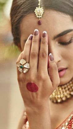 love the kundan jewelry Gold Finger Rings, Girls Jewelry, Cheap Jewelry, Modern Jewelry, 14k Gold Jewelry, Wedding Jewelry, Marriage Jewellery, Traditional Indian Jewellery, Ring Designs