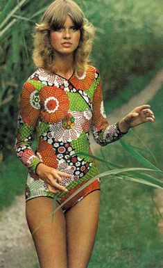 Vintage Fashion Beshka by Gianni Penati for Vogue, 1971 - Vintage Vogue, Vintage Chic, Love Vintage, Vintage Looks, Seventies Fashion, 60s And 70s Fashion, Retro Fashion, Vintage Fashion, Vintage Outfits