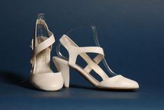 Esküvői cipők és szandálok - Divatos és elegáns menyasszonyi ruhák ba21bdd86f