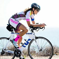 """blog-pedalnorth-com: """" Look smart! It's the weekend, so plan a ride… @Regrann from @jlvelo - Comfort & confidence on the bike = happiness & increased performance. We can help you with all of it! #ridejlvelo and feel the difference! Heads will turn as..."""