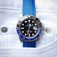 @youreterrific1 with quite the incredible and awesome #pocketshot of his GMT Master II BLNR on Blue Everest Rubber. Excellent shot man, customize your Rolex at www.everestbands.com