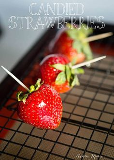 I love these Candied Strawberries; like a candied apple, a glorious crunch with a ripe strawberry center, these are a huge hit at our house. Strawberry Crunch Cake, Strawberry Recipes, Fruit Recipes, Real Food Recipes, Dessert Recipes, Cooking Recipes, Strawberry Art, Frosting Recipes, Candy Recipes