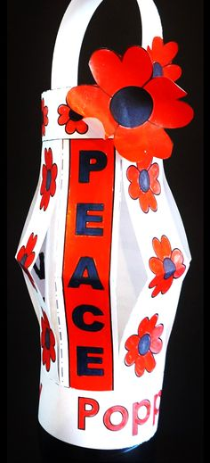 Lest We Forget. ::::: A wonderful Poppy Project to honor Remembrance Day, Veterans Day, Memorial Day and Anzac Day. There are 12 lantern designs and 14 trim sets with various messages of Remembrance - Crafting For The Holiday Memorial Day Activities, Remembrance Day Activities, Veterans Day Activities, Remembrance Day Poppy, Paper Plate Poppy Craft, Toddler Crafts, Crafts For Kids, Poppy Craft For Kids, Veterans Day Poppy