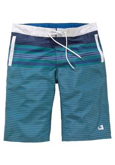 #Shorts - Badeshorts mit elastischem Bund hinten, vorn mit Kordelzug zum Regulieren der Weite. Seitliche Eingrifftaschen, kleine Innentasche mit Klettverschluss. Logodruck auf dem linken Bein. Schnell trocknende Qualität.
