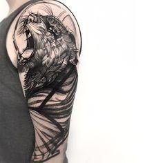 Tatuagem criada por Frank Carrilho do Rio de Janeiro, atualmente fazendo guest em vários paises do mundo. Tigre em blackwork.
