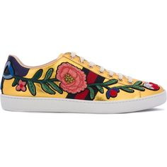 Gucci 'Ace' floral-embroidered sneakers (7.737.340 IDR) ❤ liked on Polyvore featuring shoes, sneakers, grey, gray shoes, gucci, grey sneakers, gray flat shoes and lacing sneakers
