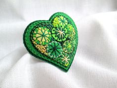 Easter Gift.Happy heart.Felt brooch.LimeGreen by SvitLoShop