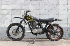 Yamaha XT500 Motorcycle Dirt Bike, Motorcycle Types, Scrambler Motorcycle, Dirt Bikes, Bike Design, Kustom, Cars And Motorcycles, Motorbikes, Yamaha