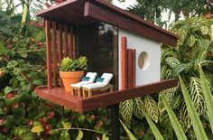10 Unforgettable Modern Birdhouses You Can Buy Right Now /// Nook Real Estate Bl… – Modern Design - Modern Bird House Feeder, Diy Bird Feeder, Modern Bird Feeders, Modern Birdhouses, Duck House, Bird Boxes, Popular Woodworking, Animal House, Wood Projects