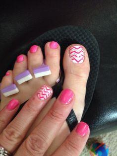 Matching nails/toes