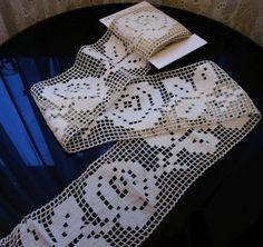 Antique Lace Panel - Trim - Crochet - 2m 86cm x 10cm - Cream - Roses
