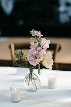 beautiful and simple wedding floral arrangements