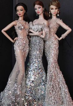Best 12 Haute couture💃 by Salvabrani – – SkillOfKing. Barbie Gowns, Barbie Dress, Barbie Clothes, Barbie Outfits, Fashion Royalty Dolls, Fashion Dolls, Beautiful Barbie Dolls, Barbie Princess, Vintage Barbie