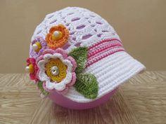 Küçük kızlar için  tığ işi şapkalar