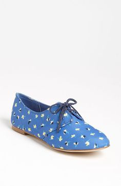 Splendid 'Nickerie' Flat available at #Nordstrom. Why do i love oxfords so much...???