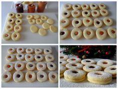 Questi biscottini tirolesi sono perfetti! Cottura impeccabile per una pasta frolla delicata, chiara, morbida e molto friabile. Due versioni per questa foto-ricetta: una con marmellata ed una con cioccolato fondente fuso Easy Cooking, Cooking Tips, Biscotti Cookies, Pasta Maker, Cannoli, How To Cook Pasta, Doughnut, Biscuits, Ale