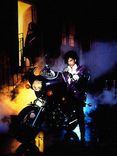 Listen to music from Prince like Purple Rain, Kiss & more. Find the latest tracks, albums, and images from Prince. Prince Purple Rain, Photos Of Prince, Prince Images, Paisley Park, Roger Nelson, Prince Rogers Nelson, Iconic Photos, Purple Reign, Purple Rain