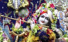 To view Gopinath Close Up Wallpaper of ISKCON Chowpatty in difference sizes visit - http://harekrishnawallpapers.com/sri-gopinath-close-up-wallpaper-016/
