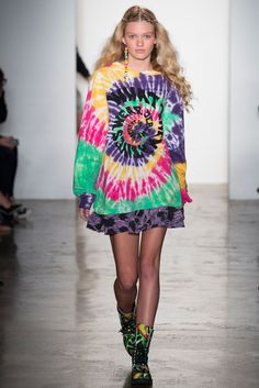 21da6361dcdb Jeremy Scott Spring 2015 Ready-to-Wear Fashion Show