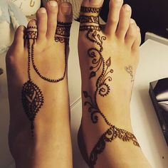 They say practise makes prefect! #henna