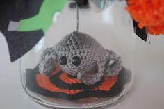 Free pattern: Spider in jar