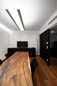 hechenblaickner - Möbelbau Breitenthaler, Tischlerei Conference Room, Wall Lights, Table, Leather, Furniture, Home Decor, Open Entryway, Carpentry, Timber Wood
