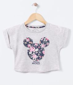 Blusa infantil Manga curta Gola redonda Com estampa Mickey Tecido: algodão COLEÇÃO INVERNO 2016 Veja outras opções de blusas infantis. Girls Summer Outfits, Outfits For Teens, Stylish Outfits, Cool Outfits, Girls Crop Tops, Cute Crop Tops, Crop Top Shirts, Tween Fashion, Cute Fashion