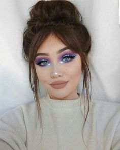 Spring Makeup Looks You Need To Try In Spring Makeup; Makeup Looks; Spring Makeup Looks; Glam Makeup, Rave Makeup, Beauty Makeup, Hair Beauty, Metallic Makeup, 80s Makeup, Makeup Goals, Makeup Tips, Makeup Ideas