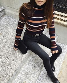 Fall outfit combo: Striped turtleneck sweater, Western belt, skinny jeans and ankle boots