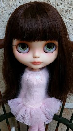 Thank you for clicking to meet sweet EVE, a beautiful Blythe Doll customised by the talented artist (and gorgeous person! Eve's base doll is a Blythe Neo Petite Dejeuner Champs Elysees.
