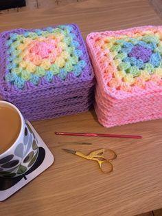 Granny Square Crochet Pattern, Crochet Blanket Patterns, Crochet Motif, Crochet Designs, Crochet Stitches, Rainbow Crochet Blankets, Crochet Square Blanket, Crochet Squares Afghan, Cute Crochet