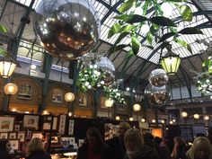Covent Garden London, Christmas decorations, market