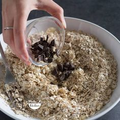 Bolachas de aveia e banana: apenas 3 ingredientes - Made by Choices Coffee Break, Oatmeal, Low Carb, Healthy Recipes, Cooking, Breakfast, Cake, Lactose, Lima