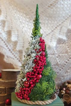 christmas advent wreath # 2020 Dekoracje swiateczne Best Picture For christmas snacks For Your Taste You are looking for something, and it is going to tell you exactly … Christmas Advent Wreath, Christmas Flowers, Noel Christmas, All Things Christmas, Winter Christmas, Christmas Arrangements, Christmas Centerpieces, Xmas Decorations, Diy Weihnachten