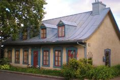 Assurance Habitation, Cute Cottage, Quebec City, French Decor, Architecture, Old Houses, Live, My Dream Home, Colonial