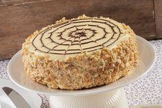 A békebeli Eszterházy-tortát most már otthon is el tudod készíteni. Hungarian Cake, Hungarian Recipes, Sweet Recipes, Cake Recipes, Dessert Recipes, Cake Templates, Torte Cake, Coffee Recipes, Cakes And More