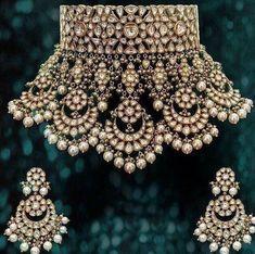 bridal sets & bridesmaid jewelry sets – a complete bridal look Indian Jewelry Sets, Indian Wedding Jewelry, India Jewelry, Gold Jewelry, Bridal Kundan Jewellery, Diamond Jewellery, Luxury Jewelry, Vintage Jewelry, Nice Jewelry