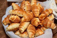 Pretzel Bites, Hot Dog Buns, Food To Make, Shrimp, Bread, Baking, Cake, Recipes, Drinks